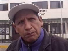 Edgar Páez empresario que comercializa aves