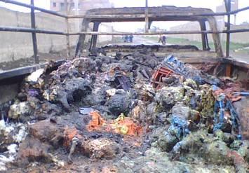 Camioneta quemado con mas de 480 pollos vivos