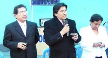 Doctor Francisco Chunga y el Director Ángel Irribarri Poicon