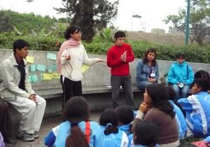 Srta. Chancay y delegación de niños de Palpa