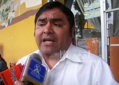 Regidor de la provincia de Huaral Julian Molina.
