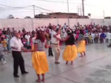 Chavarria, Marin, Casas bailaron hasta Música Hindu