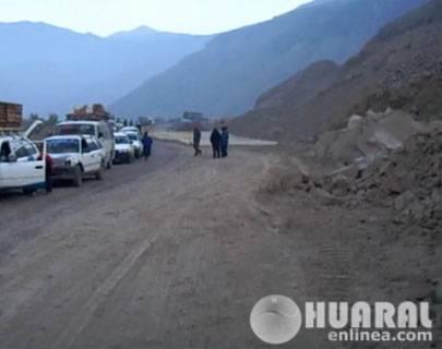 Se  reinician las obras de la carretera Huaral –  Acos