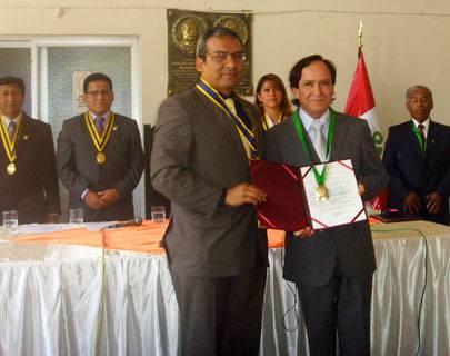 Municipalidad de Huaral otorga reconocimiento al músico chimbotano Jesús Romero Bernuy.