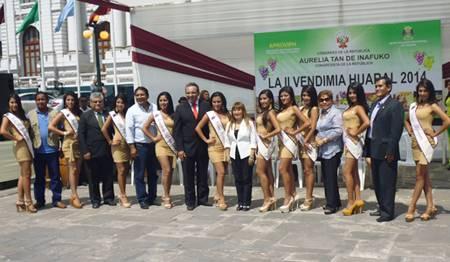En la plaza del Congreso se lanzó exitosamente la II Vendimia Huaral 2014