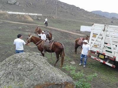 Huaral celebra fiesta de San Juan en Lomas de Granados.