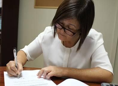 Alcaldesa de Huaral firmo convenio con el ministerio de vivienda para obra de pistas y veredas del A.H San Isidro – Los Naturales Huaralenlinea.com
