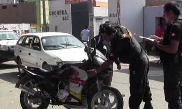 Motociclista queda grave luego de estrellarse contra Station Wagon en el Parque de los Sueños Huaralenlinea.com
