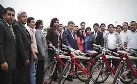 Gobernador Chui entrega bicicletas a alumnos de zonas rurales y andinas de la región huaralenlinea.com