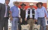 GRL entrega bolsas de cemento para revestimiento de canales de riego en comunidades de Atavillos Alto – Huaral