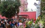 Miles de fieles llegan al pozo de los deseos en santuario de Santa Rosa de Lima