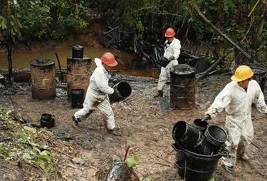 Establecen sanciones penales por atentar contra oleoducto