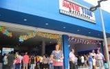 Alcaldesa Ana Kobayashi participó en inauguración de Cine Movie Time, en mega plaza