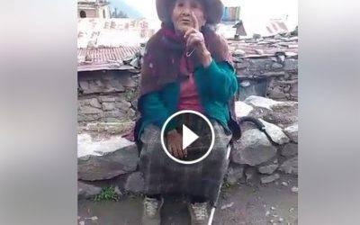 Abuelita que vive en el pueblo de Santiago de Chisque  busca a sus familiares.