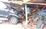 Camión se empotra contra vivienda en el  óvalo de Chancay