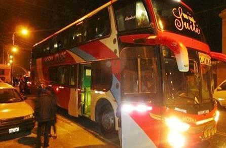 Seis delincuentes  asaltan bus en  carretera Pativilca - Huaraz