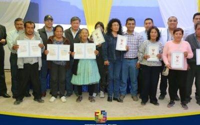 Gobernador Nelson Chui entrega 258 títulos de propiedad a productores agrarios de la provincia de Cañete